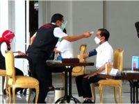 Presiden Jokowi Jadi Orang Pertama di Indonesia Yang Divaksin Covid-19