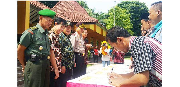 Jelang Pilkades Serentak, 84 Calon Kepala Desa di Bojonegoro Gelar Ikrar Damai