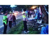 Innova Hajar Tenda Buruh di Sukorejo Pasuruan, 4 Orang Tewas