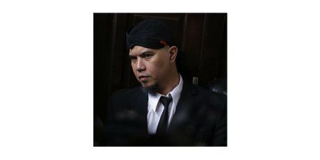 Jalani Sidang Kasus 'Idiot', Ahmad Dhani Dibon ke Surabaya