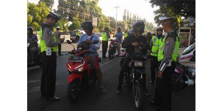 Jelang Akhir Operasi Patuh Semeru, Dalam Sehari Polres Situbondo Tilang 385 Pengendara