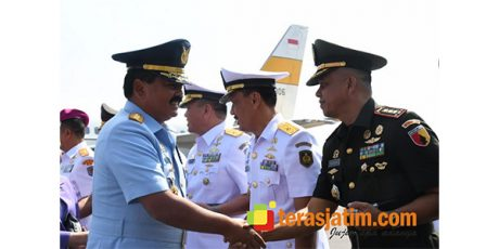 Jelang HUT TNI, Panglima TNI Ziarah ke Makam Bung Karno dan Gus Dur