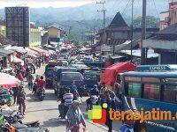 Jelang Lebaran, Begini Meriahnya Tradisi 'Prepegan Pasar' di Pacitan