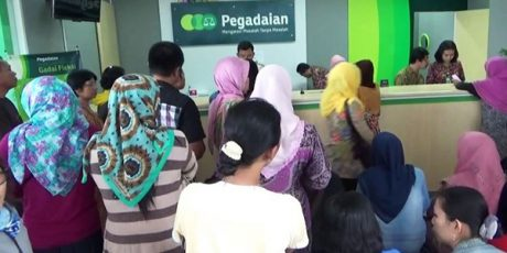 Jelang Lebaran, Transaksi Keuangan di Pegadaian Kota Malang Meningkat Tajam