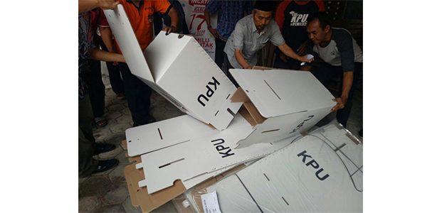 Jelang Pemilu, KPU Kota Kediri Mulai Rakit Ribuan Kotak Suara