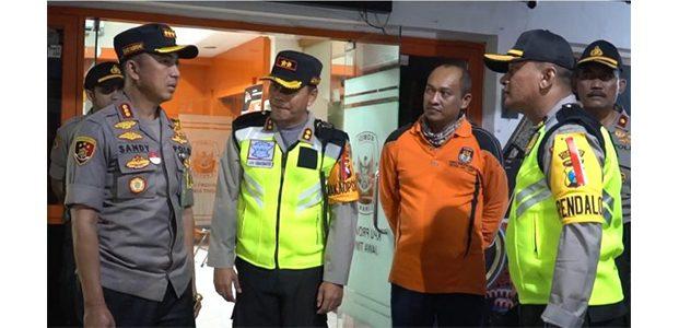 Jelang Pengumuman Hasil Pemilu 2019, Kapolrestabes Surabaya Pimpin Patroli Skala Besar