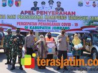 Forkopimda Jombang Bagikan Sarpras Untuk 185 Kampung Tangguh Semeru
