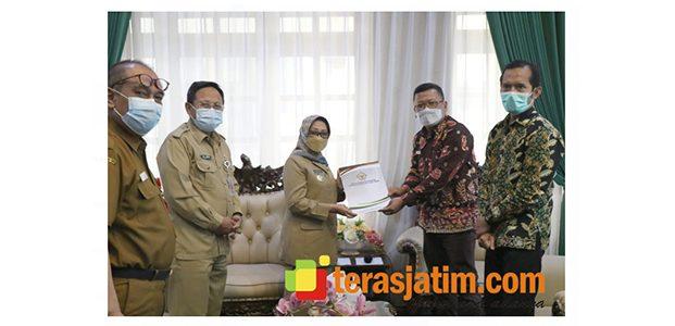 Bupati Jombang Serahkan LK Tahun 2020 ke BPK Perwakilan Jatim