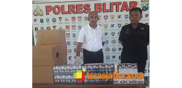 Jual Rokok Bodong, Sebuah Toko di Garum Blitar Digerebek Polisi