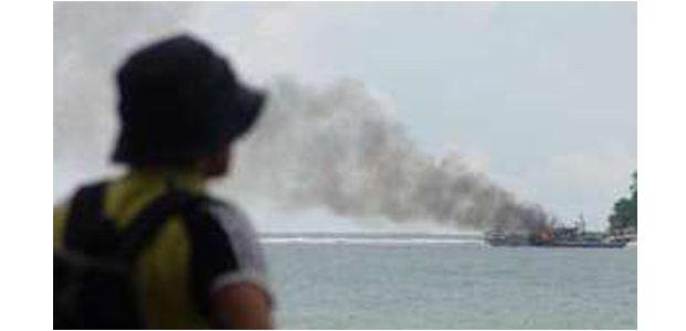 KM Mutiara Sentosa Terbakar di Pulau Masalembu Sumenep, 5 Penumpang Dikabarkan Tewas