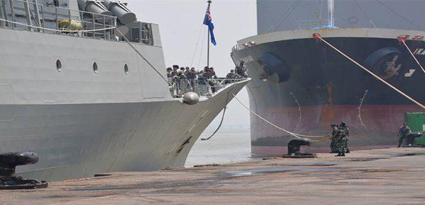 Asops Danlantamal V Lepas Kapal Perang Australia