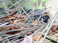 Kasus Ambruknya Atap Gedung SD di Kota Pasuruan, Polisi Tunggu Hasil Labfor