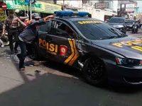 Kawal tahanan, Mobil Patroli Polisi di Mojokerto Ditabrak Truk