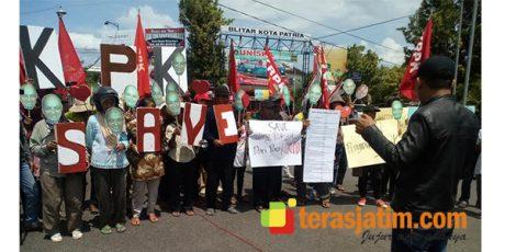 Komite Rakyat Pemberantasan Korupsi, Gelar Aksi 'Save KPK'