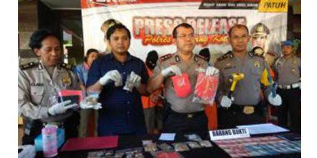 Komplotan Penggarong Emas 2,5 Kg di Pasar Dinoyo Malang Dibekuk