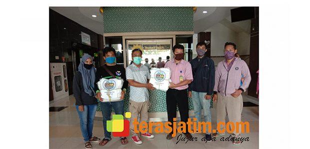 Komunitas Netizen di Lamongan Bantu Sembako dan APD Untuk Tim Medis Covid-19