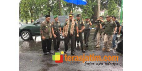 Kunjungi Bangkalan, Pangdam Brawijaya Tegaskan Netralitas TNI dalam Pemilu