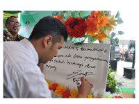 Kunjungi Bojonegoro, Wagub Emil Sosialisasikan Millenial Job Center
