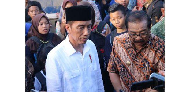 Kunjungi Pacitan, Presiden Serahkan Bantuan dan Silaturahmi ke Sejumlah Ponpes