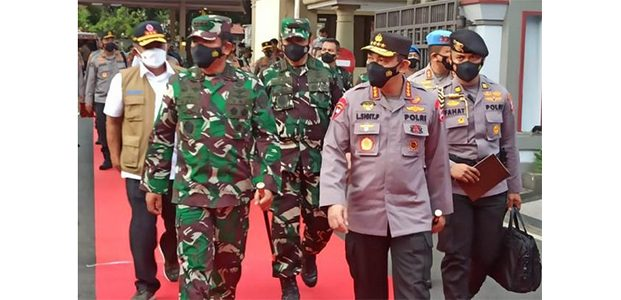 Kasus Covid-19 Melonjak, Kapolri dan Panglima TNI Kunjungi Lamongan