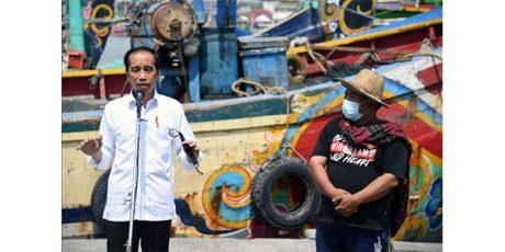 Kunjungi TPI Brondong Lamongan, Presiden Sanggupi Permintaan Nelayan