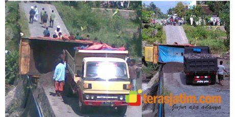 Lagi, Truk Bermuatan Pasir Terguling di Dam Sungai Kaliputih Gandusari Blitar