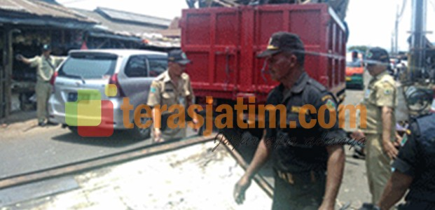 Lapak PKL Pasar Gadang, di Bongkar