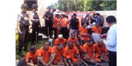 Lengkap, Polres Malang Kandangkan Kembali 17 Tahanan yang Kabur