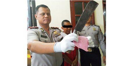 Marah Lihat Anaknya Nganggur, Seorang Bapak Ancam Bunuh Seluruh Keluarganya