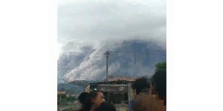 Semeru Erupsi, 5 Kecamatan di Lumajang Hujan Abu