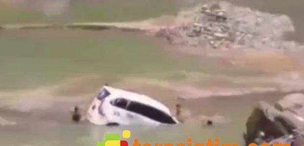 Kecelakaan di Jalur Ponorogo-Pacitan, Xenia Putih Terjun Bebas ke Sungai