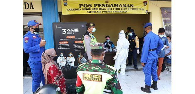 Akan Menyeberang ke Surabaya, 160 Orang Dites Swab di Pelabuhan Kamal, 4 Orang Reaktif