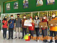 Apresiasi Pelajar Berprestasi di Ponorogo, MPM Honda Jatim Berikan Beasiswa dan Laptop