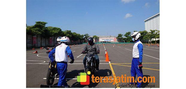 Training Safety Riding Motor All New CB150R Bersama Jurnalis Regional