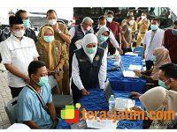 Gubernur Pantau Pelaksanaan Vaksinasi Covid-19 Bagi Nakes di Bangkalan