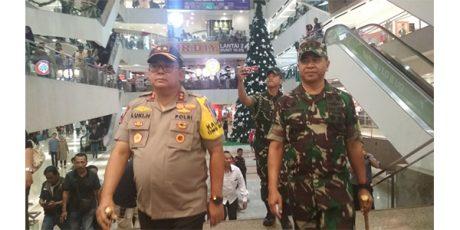 Malam Tahun Baru, Kapolda dan Pangdam Keliling Surabaya