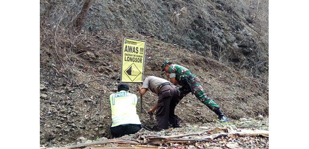 Masuki Musim Hujan, Ratusan Papan Imbauan Waspada Bencana Alam Dipasang di Trenggalek