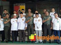 Melalui Kodam Brawijaya, Yayasan Haji Cheng Hoo Bantu Korban Bencana Alam di Indonesia