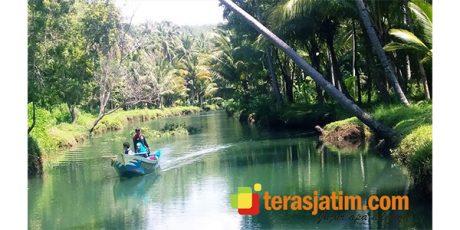 Menyusuri Keindahan Sungai Cokel Watukarung di Pacitan