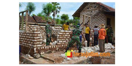 Meski Hari Minggu, Pembangunan RTLH di Sumenep Terus Dikebut