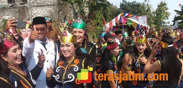 Meski Panas Menyengat, Warga Gajah Bojonegoro Antusias Ikuti Pawai Karnaval