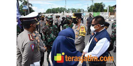 Pangdam dan Kapolda Pantau Pos PPKM Darurat di PPST Mojokerto