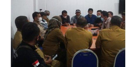 Ditakut-Takuti Oknum Pegawai Inspektorat, Puluhan Kades di Mojokerto Geruduk Inspektorat Mojokerto