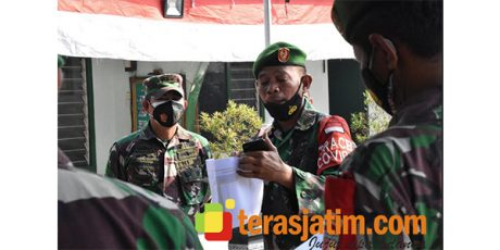 Danrem Pantau Pengoperasian Aplikasi SiLacak 3 Koramil di Mojokerto