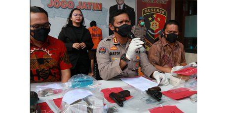 Guru SMP Asal Malang Nekat Rakit dan Jualan Senpi Ilegal
