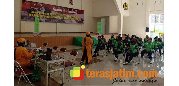 Ratusan Ojol di Kota Malang Mendapatkan Vaksin Covid-19