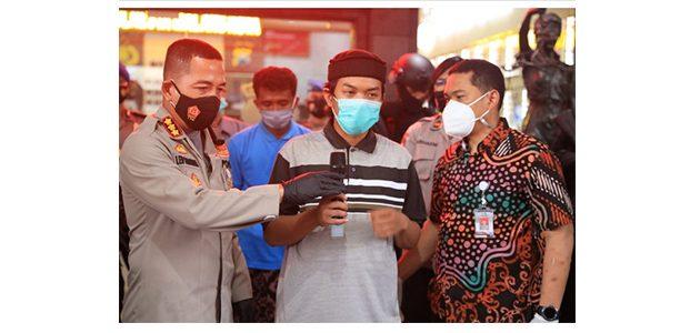 Hajar Petugas Pemakaman Jenazah Covid Hingga Pingsan, 2 Pemuda di Malang Ditangkap