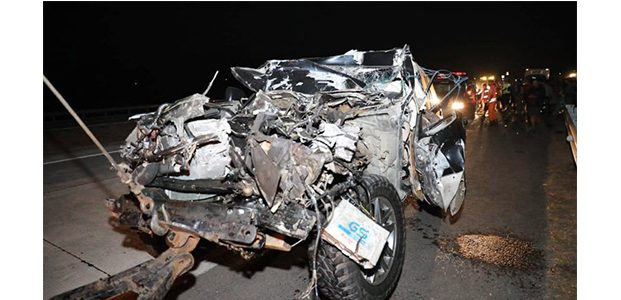 Mobil Kapolres Tulungagung Kecelakaan di Tol Sumo, Istri dan Ajudan Meninggal