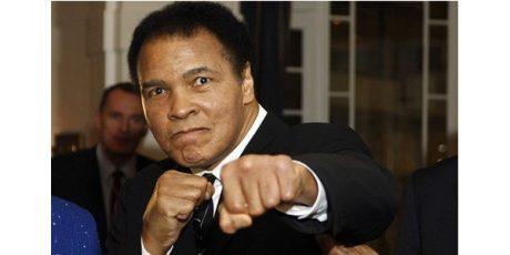 Muhammad Ali, Sang Petinju Legendaris Berpulang di Usia 74