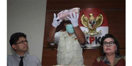 OTT Kasus Suap Ketua Komisi B DPRD Jatim, KPK Tetapkan 6 Orang Tersangka